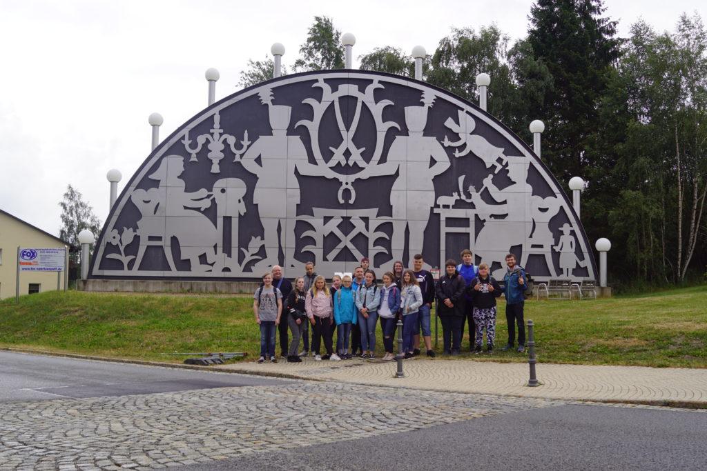 Jugendfreizeit im Erzgebirge 2019 - Tag 2-4: Größter freistehender Schwibbogen der Welt - Johanngeorgenstadt